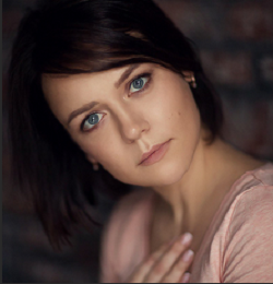 Лена Карнеева чудесный фотограф и человек. Мне посчастливилось побывать на  одном из ее мастер-классов в 2015 году. Творчество Лены удивительно и  прекрасно! b96bbf90ecc