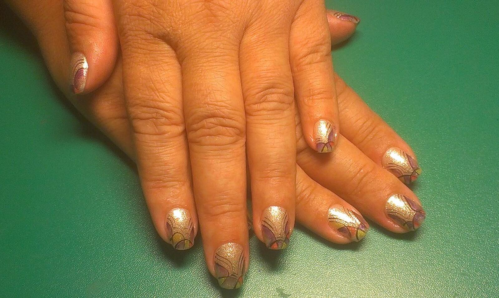 Гель на натуральные ногти